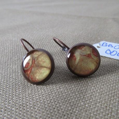 Boucles d'oreilles dormeuse décor résine (BBO002004)