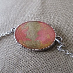 Bracelet artisanal résine sur chaîne montée main anneaux soudés BBR001004